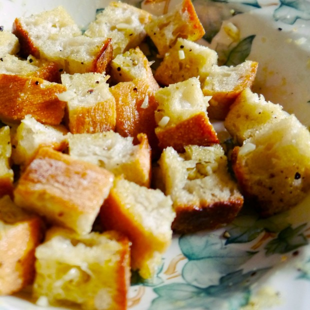Garlic Parmesan Croutons 02